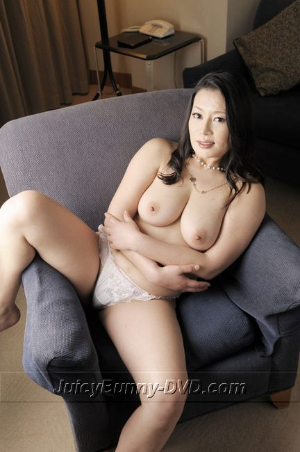 Big tits and Slutty Mature Hotel Maid: Rei Kitajima [BT-120]